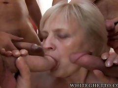 porn grannies pics