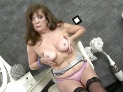 busty mom creampie