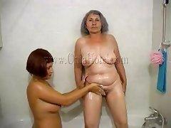 massage mature lesbian