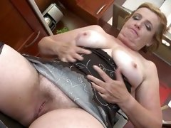 mature hairy creampie
